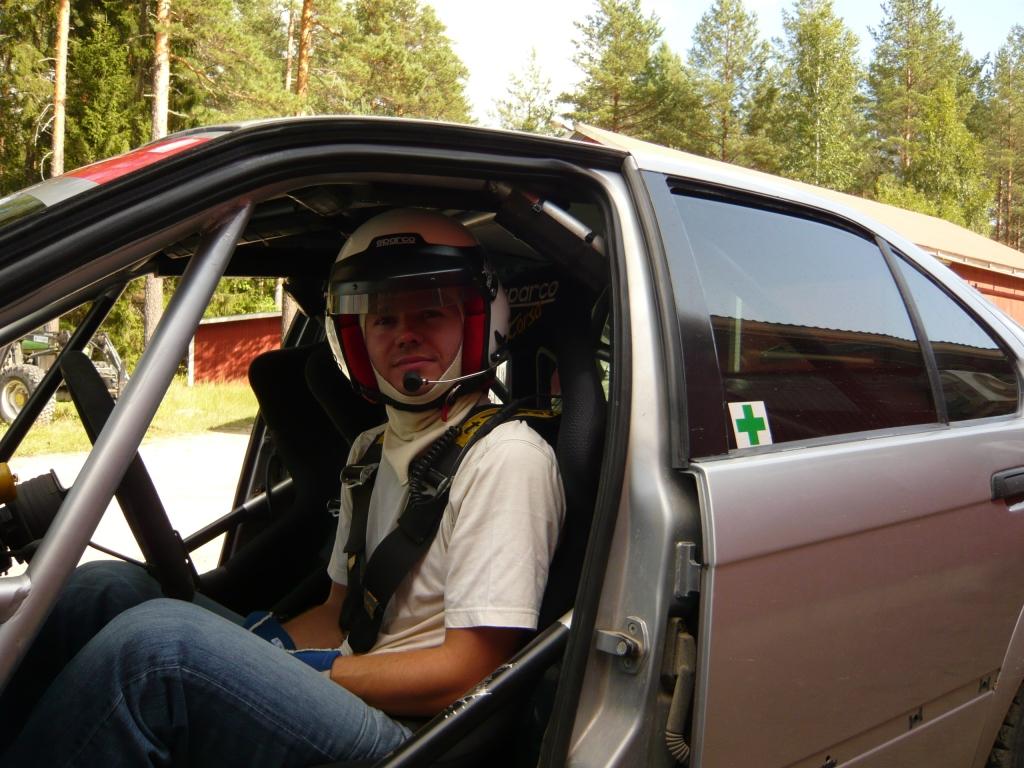 Antony Warmbold testasi BMW:tä pari vuotta sitten. Pienen totuttelun jälkeen hän kertoi oppineensa tehokkaan takavetoisen niksit.